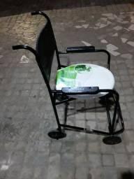 Cadeira de rodas preta