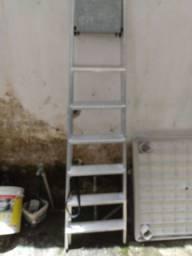 Escada alumínio semi nova 7 degraus