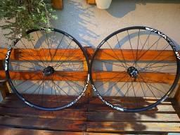 Par de rodas vivatec xm 1.800 aro 29 com pneus