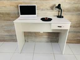 Escrivaninhas para estudar e Home office