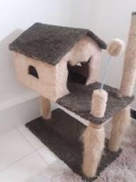 Arranhador casa de gato