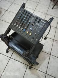 Mesa de som, amplificador e hack