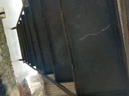 Escada ferro com corremao