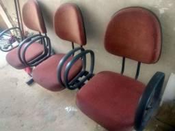 Cadeira longarina de 3 lugares,80,00