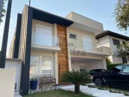Casa de 360m² em fino acabamento no Altos da Serra I, Urbanova!