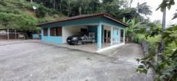 Casa com amplo terreno em área nobre de Brusque no bairro São Pedro.