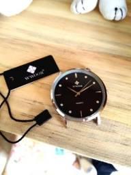Relógio Wwoor ultra-fino