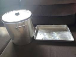 Caldeirão (panela grande) + tabuleiro