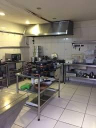Mobília equipamentos e utensílios para restaurante