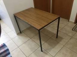 Título do anúncio: Mesa de jantar (dividimos com taxa da maquininha)