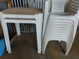 3 jogos de mesas com cadeiras