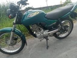 Vendo essa moto titan 125