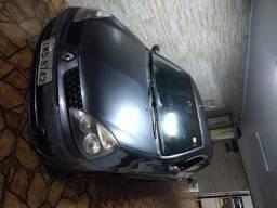 Vendo Clio Authen 2005 1.0 Sedan