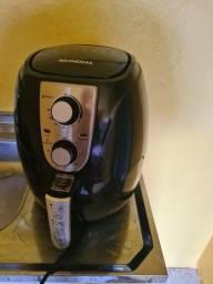Fritadeira air fry 3,2 litros novinha