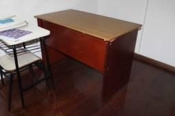 Mesa de Escritório / Escrivaninha / em MDP Marrom 75 cm x 112 cm x 62 cm (LER OBSERVAÇÕES)
