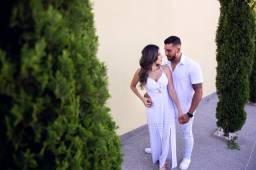 Vendo vestido longo branco com fenda !!