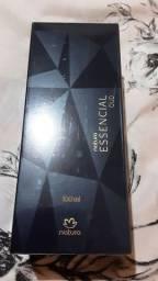 Perfume essencial OUD feminino natura. Lacrado validade 2024