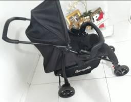 Carrinho de bebê Burigotto + bebê conforto + base + ninho, tudo preto.