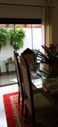 Jogo de mesa antigo com seis cadeiras patas de leão madeira maciça