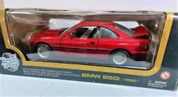 Miniatura Bmw 850i marca Road Tough Escala 1:18  - 90