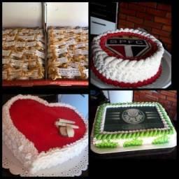 Bolos de aniversario tortas e bolo de casamento