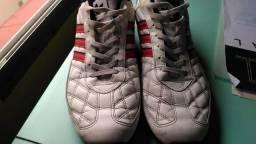 Tênis adidas branco e vermelho (Pouco Uso)