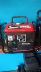 Gerador Toyama 950W C/ Carregador Baterias 2T Somente 220V
