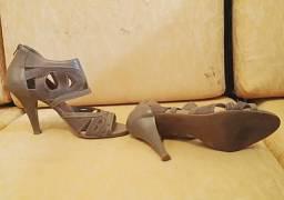 45545a9d34 Lote de sandalia numero 36 tudo so por um preço