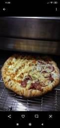 Contratamos - *Pizzaiolo(a) com experiência