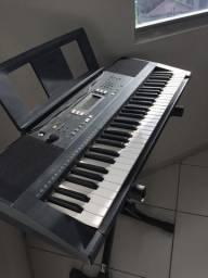 Teclado semi-profissional, com suporto de partitura e suporte do teclado
