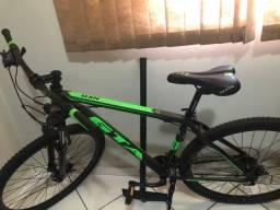 Vendo bicicleta profissional GTA aro 29