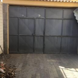 Portão de chapa de galvanizada