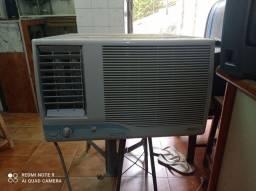 <br>Ar condicionado de 10000 btus <br>
