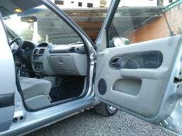 Clio Sedan imperdível