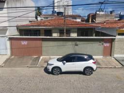Vendo Casa com 4/4 sendo 3 suítes + DCE, no bairro do Poço
