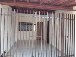 Alugo casa 2 dormitórios + salão - Ipiranga