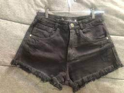 Shorts jeans preto destroyed