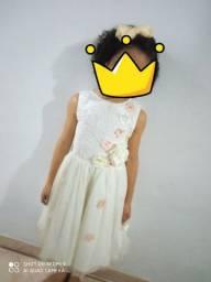 Lindo vestido  6 a 7 anos