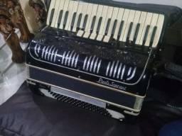 Acordeon sanfona paolo soprani italiana 80 baixos impecável e já eletrificada com placa