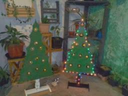 Árvores de natal de madeira