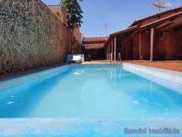 Casa em Cravinhos - Casa com piscina no Centro de Cravinhos
