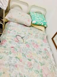 Cama de tubo solteiro branca com colchão