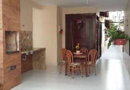Natasha- Casa com 3 Quartos e 2 banheiros à Venda, 100 m²