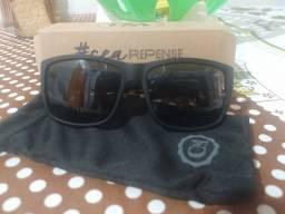 Oculos Escuros ACE, com proteção UVA-UVB.Nunca foi usado!
