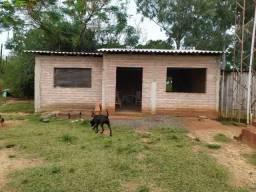 Velleda oferece ótimo terreno bem localizado, próx RS040, com casa simples