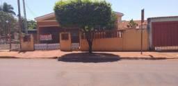 Casa no centro de Dumont