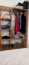 Guarda-roupa de bambu