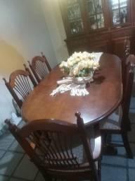 Mesa de jantar 6 lugares semi nova