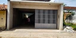 Vende-se CASA EM BARREIRINHAS com 2 pisos