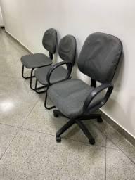 Jogo cadeiras escritório - 1 cadeira diretor e 2 cadeiras fixas